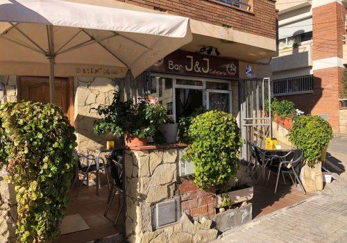 bar-montado-y-con-terraza-en-alquiler-en-canet-de-mar-barcelona-1