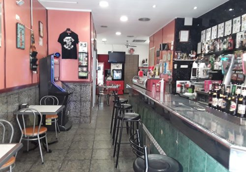 bar-en-alquiler-en-hospitalet-de-llobregat-barcelona-montado-y-con-terraza-4