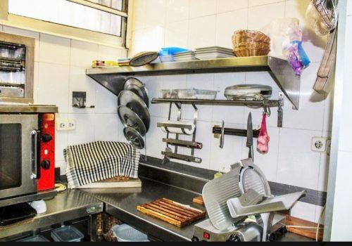 bar-en-alquiler-con-opcion-a-compra-en-montcada-i-reixac-barcelona-con-cocina-5